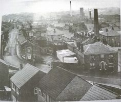 Black Road Area, Macclesfield - Navigation Pub on right hand side of photo - taken before a lot of the factories were demolished
