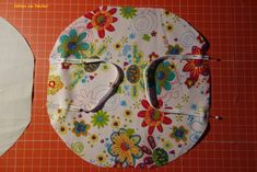 Homemade Tables, Small Sewing Projects, Needful Things, Textiles, Handmade Home, Diy Face Mask, Fabric Scraps, Diy Fashion, Baby Dolls