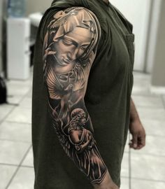 Pin by máca novotný on art tatuagem masculina, tatuagem, tat Jesus Tattoo Sleeve, Religious Tattoo Sleeves, Chicano Tattoos Sleeve, Sleeve Tattoos For Women, Body Art Tattoos, Tattoos For Guys, Juncha Tattoo, Mary Tattoo, Religous Tattoo