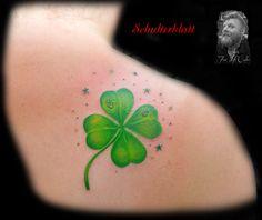 Best Ideas For Flowers Tattoo Color Mini Mini Tattoos, Trendy Tattoos, Body Art Tattoos, Small Tattoos, Tattoos For Guys, Four Leaf Clover Tattoo, Clover Tattoos, Anklet Tattoos, Feather Tattoos
