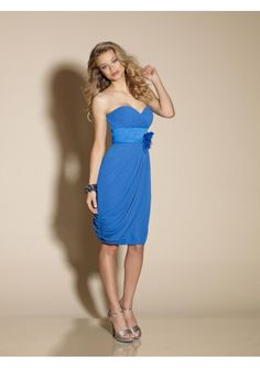 Short Chiffon Strapless Bridesmaid Dresses with sweetheart neckline and Broad Belt with Flower Brooch