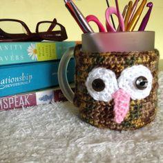 How to crochet an owl mug cozy via @Guidecentral - Visit www.guidecentr.al for more #DIY #tutorials