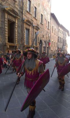 Medieval Parade Popular Culture, Anthropology, Folklore, Medieval, World, Anthropologie, Mid Century, The World