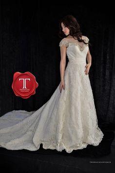Wedding dress by Tranoulis Haute Couture Photo: Thomas Giannakis Model: Eirini Sterianou Formal Dresses, Wedding Dresses, Model, Fashion, Haute Couture, Formal Gowns, Mathematical Model, Moda, Bridal Dresses
