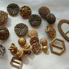 Victorian and Edwardian gilt and metal buttons/buckles