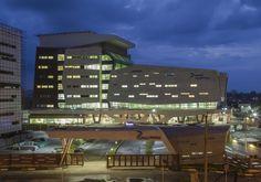 Galería de Hospital Pars / New Wave Architecture - 17