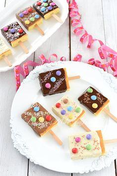 Cake popsicles - recipe- Kucheneis am Stiel – Rezept Cake popsicles - Baby Food Recipes, Cake Recipes, Snack Recipes, Dessert Recipes, Valentines Day Dinner, Valentines Day Desserts, Popsicle Recipes, Ice Cream Party, Birthday Dinners