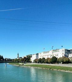Sonnige Herbsttage verwandeln Salzburg mitsammt Salzach in eine wahre Märchenstadt. Kein Wunder, dass es jährlich unzählige Touristen in die schönste Stadt Österreichs zieht! #SH