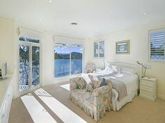 Daleys Point house: bedroom.