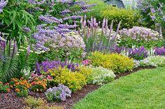 French Garden Design Gardening - New ideas Front Garden Landscape, Front Yard Landscaping, Landscape Design, Cottage Garden Design, Flower Garden Design, French Cottage Garden, Cottage Gardens, Garden Care, Low Maintenance Garden Design