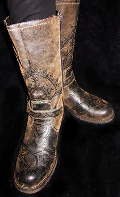 Burned design into leather boots -- interesting idea! This particular  version is done by Behennaed. 4f74caea439cb