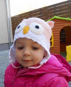 Egy aranyos baglyos sapka a legszürkébb téli napokat is feldobja.  This cutie owl-hat makes you happy even on the coldest day of the year.