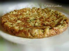Frittata di zucchine, morbida e gustosa. Da presentare come secondo piatto, come antipasto, come finger food o da portare per un pic-nic.