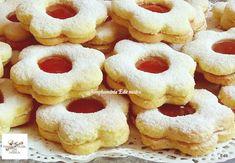 A hagyományos linzert is feldobhatjuk, ha egy kis mandulával ízesítjük! Algerian Recipes, Onion Rings, Doughnut, Biscuits, Pineapple, Food And Drink, Sweets, Candy, Cookies