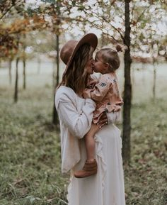 Mommy Daughter Moccassins Maternity sweetness with the second child on the way. Love those toddler mama snuggles! The post Mommy Daughter Moccassins appeared first on Toddlers Ideas. Maternity Session, Maternity Pictures, Pregnancy Photos, Maternity Photography, Baby Pictures, Family Photography, Pregnancy Tips, Hippie Pregnancy, Mom Daughter Photography