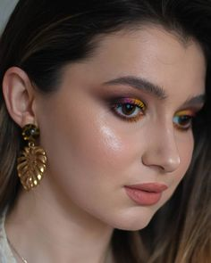 I don't really wear colors and dark shadow all together, but I was in a mood. Yellow Makeup, Colorful Makeup, Summer Glow, Mood, Dark, Colors, Artist, Artists, Colour