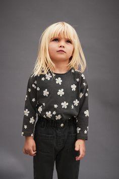 Baby Girls' T-shirts | ZARA United States Fashion Kids, Zara Fashion, Toddler Fashion, Toddler Girl Style, Toddler Girl Outfits, Kids Outfits, Little Girl Outfits, Little Girl Fashion, Zara Kids