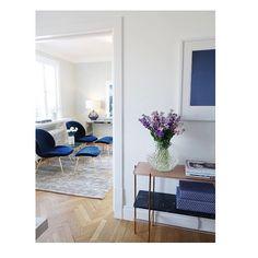 """234 likerklikk, 4 kommentarer – @anettringstad på Instagram: """"HOME #home #livingroom #gubi @oslodeco #svenskttenn #vase #interior #kitchen #flowers #layered…"""""""