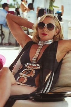 Samantha Jones (Sex and the City). Fell in love with this bathing suit the moment I saw it