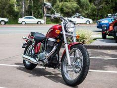 Suzuki Boulevard S40 - Cruiser Motorcycle
