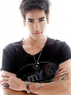 My new thai obsession -> Nadech Kuginiya. akhirnya bs move on dr Mario Maureer ^^,) Asian Male Model, Male Models, Hot Actors, Actors & Actresses, Dramas, Men's Street Style Photography, Most Handsome Men, Korean Star, Famous Men