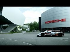 "Audi : Race car on the road - ""Welcome back"""