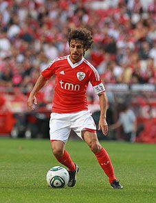 """Pablo Aimar - Também conhecido como """"El Mago"""", habilidoso  e preciso em seus passes."""