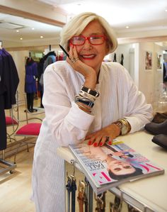 We sat down to have a conversation with fabulous and legendary fashion designer Jenny le Roux of Habits clothing in Cape Town. Mature Fashion, Fashion Over 50, Habit Clothing, Advanced Style, Friend Outfits, Aging Gracefully, Cool Baby Stuff, Looking For Women, How To Look Better