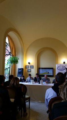 """Uno scatto della Conferenza Stampa dell'Evento organizzato dall'Associazione Italiana Sommelier, """"Vulcanica Ais: Degustando il Vesuvio""""!!!"""