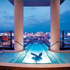 Las Vegas Hotel Tips. Sometimes, it is necessary to stay in a Las Vegas hotel. People often are disappointed with hotel rooms because they leave out the research. Las Vegas Hotels, Palms Las Vegas, Hotels And Resorts, Best Hotels, Amazing Hotels, Jacuzzi, Vegas Pools, Palms Hotel, Palm Resort