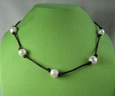 18 Perlas y collar de cuero griego por cobbgirlcreations en Etsy