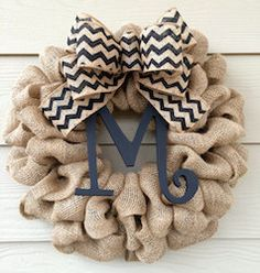 Burlap monogram door reef #burlap_crafts_monogram