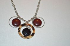 "Stunning Silver Tone Red and Leopard Print Circle Pendant 20"" Necklace (n134)"