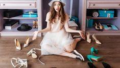 PAX inloopkast onder een schuin dak! - Jamey Jennifer Hudson, Closet Clean, Tiny Closet, Capsule Wardrobe, Melbourne Girl, Stock Photo Girl, Crafts For Teens To Make, Old Shoes, Girls Image