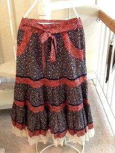 Gunnies navy and red calico tiered midi skirt with lace. 51M83