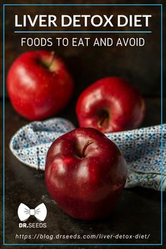 It's essential to go on a natural liver detox diet at least twice a year. Here are important foods to eat and avoid for the best liver detox diet! Liver Detox Drink, Best Liver Detox, Natural Liver Detox, Liver Detox Cleanse, Natural Detox Drinks, Detox Diet Plan, Body Detox, Body Cleanse, Stomach Cleanse