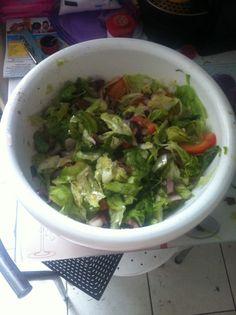 Salada mediterranea - receita do Jamie Oliver, livro Revolução na cozinha.