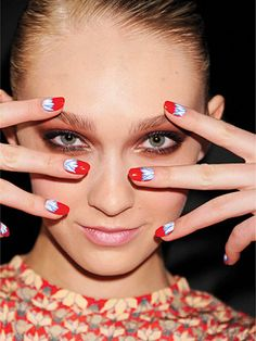 Bold and Bright Summer Nails: flower power DIY