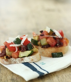 Tomato, Zucchini and Olive Bruschetta | Fresh Summer Party Food