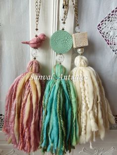Resultado de imagen para sujeta cortinas borlas What great tassel,, made from wool roving and lumpy thick yarns. I love that clay bird bead a lot,too ^. Diy Tassel, Tassel Jewelry, Tassels, Jewellery, Diy Laine, Diy And Crafts, Arts And Crafts, Craft Projects, Weaving