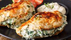 Kuracie kapsy s krémovo-špenátovo plnkou Cheese Stuffed Chicken, Cream Cheese Chicken, Goat Cheese, Stuffed Chicken Breasts, Top Recipes, Low Carb Recipes, Cooking Recipes, Crockpot Recipes, Recipies