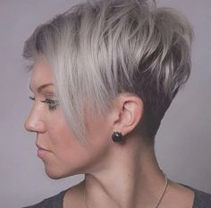 The pixie cut is versatility.Need to find pixie cuts and pixie hairstyles inspiration?Click our list of 80 trending pixie haircuts for women now. Round Face Haircuts, Hairstyles For Round Faces, Pixie Hairstyles, Short Hairstyles For Women, Layered Hairstyles, Hairstyles 2018, Short Haircuts, Wedding Hairstyles, Trendy Hairstyles