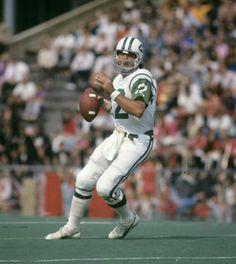 Joe Namath - New York Jets - Autograph Signing March 2019 Nfl Photos, Football Photos, Sports Photos, Nfl Football Players, Football Moms, School Football, Football Cards, Football Season, Football Shirts
