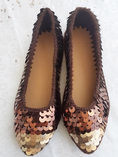 Crochet Shoes, Crochet Stitches, Slippers, Flats, Fashion, Shoes, Espadrilles, Over Knee Socks, Loafers & Slip Ons