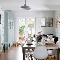 Ice blue traditional kitchen-diner – Just because we love homes x Love Home, Ideal Home, Kitchen Decor, Kitchen Design, Kitchen Ideas, Kitchen Diner Extension, Traditional Kitchen, Home Kitchens, New Homes
