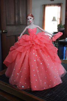 My Fashion Royalty Dolls Barbie Wedding Dress, Barbie Gowns, Barbie Dress, Fashion Royalty Dolls, Fashion Dolls, Fashion Dresses, Barbie Clothes Patterns, Doll Clothes Barbie, Glamour Fashion