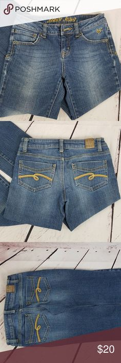 Justice Jeans Simply Low Med Wash Girls Size 10R Justice Jeans Medium Wash Girls Size 10R  99% cotton, 1% spandex Length32	 Width 23	 Inseam 24.5 rise 7 Justice Bottoms Jeans