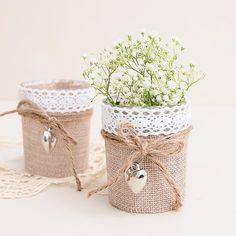 Vasito con yute y mini corazón #rustic #weddings #bodas #rusticas #flores #decoracion #decoracionbodas