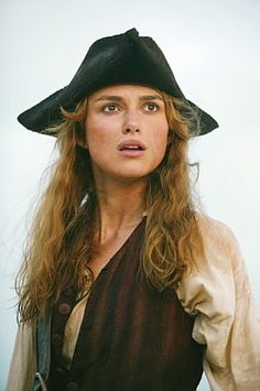 ELIZABETH SWANN FROM PIRATES OF THE CARIBBEAN DEAD MAN`S CHEST.