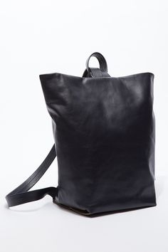 アエタ×ニード サプライ、2wayで使えるレザーリュックサックが登場 Backpack Bags, Leather Backpack, Tote Bag, Black Leather Bags, Tote Handbags, Michael Kors Bag, Clutch Bag, Bag Accessories, Mens Fashion
